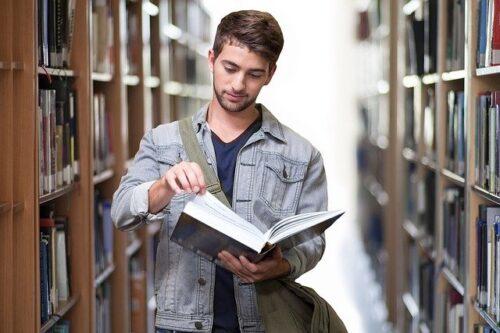 時間・経済的にも余裕があり勉強するのは今が旬!!
