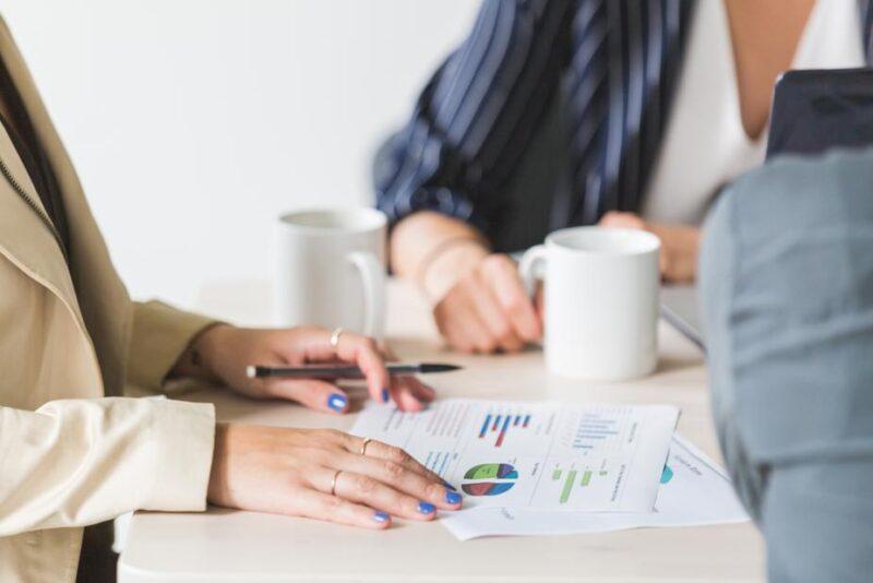 業務フローはどこまでが業務の仕事?それとも社内SEの仕事?