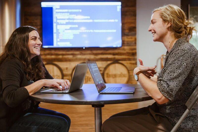 社内SEがプログラミングを学ぶメリット・デメリット