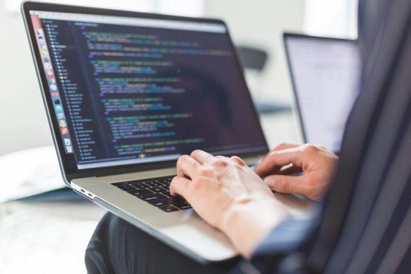 おすすめのプログラミングが出来る企業の選び方